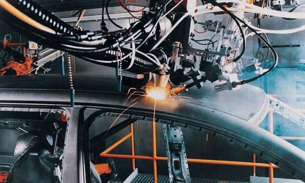 激光焊接机的激光会对人体造成伤害吗?